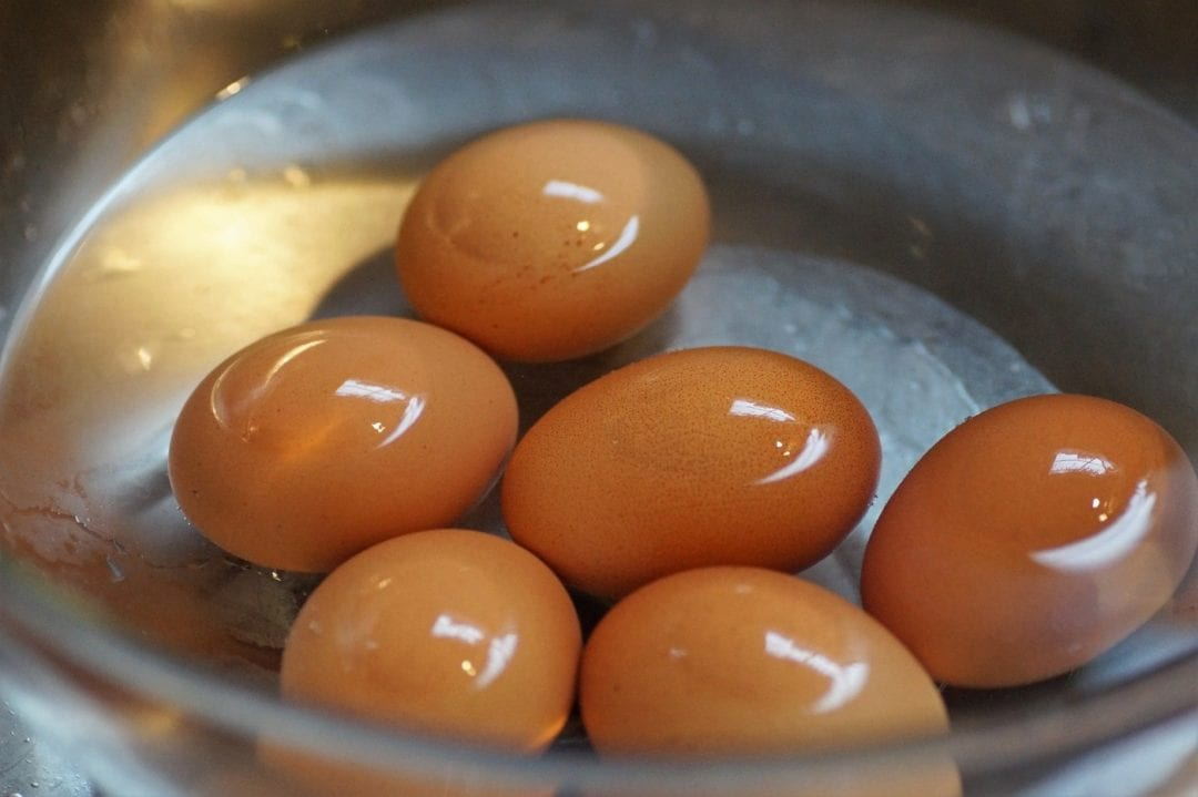 Eier im Wasser